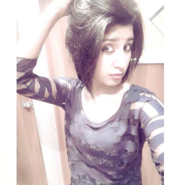 How do I look?rate me plz?wht do think about me?wht do u think is wrong in my style or fashion?wht else u want in me?