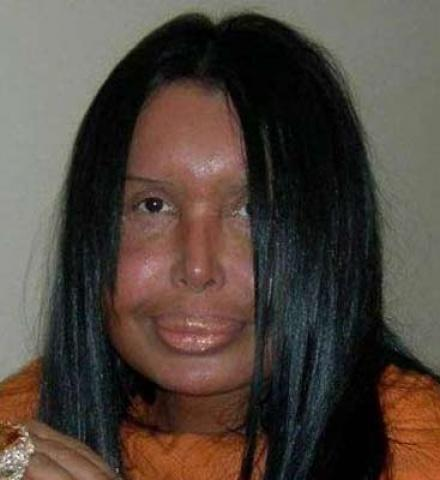 If they give you 1000$ would you kissing with this woman?