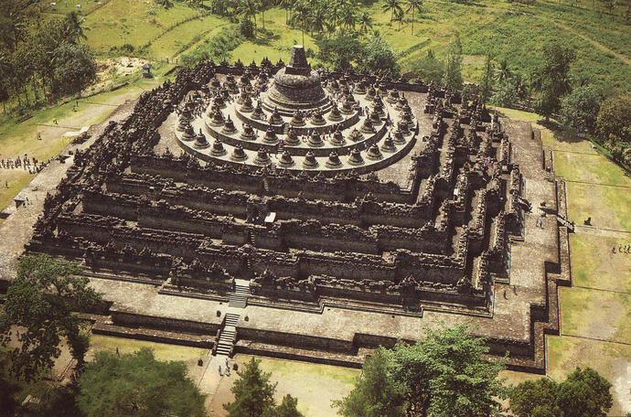 From these ugly pics, Hmm.. I think Indonesian Ancient Buildings are Very Ugly and Miscreated! How about you?