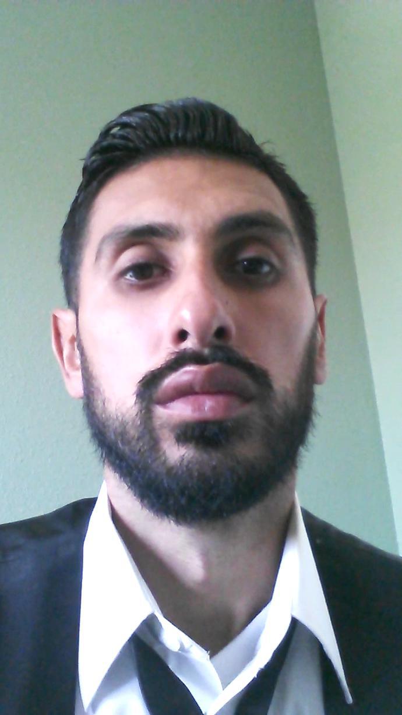 Girls, should I keep a full short beard or keep my old style of beard (avatar pic)?