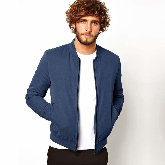 The jacket which this guy is wearing; Is this navy blue fleece jacket a good choice and worth wearing?