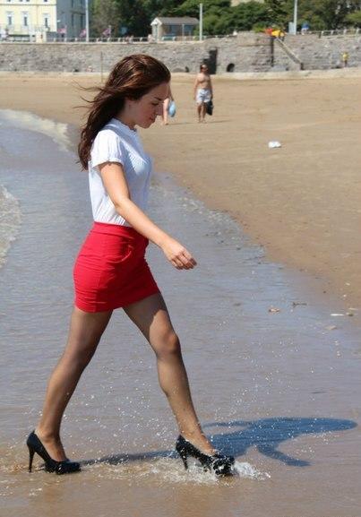 Girls, Any girls ever worn high heels to the beach?
