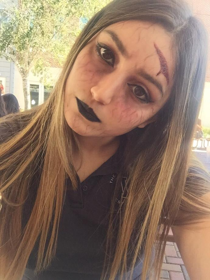 Guys, If you were to see this girl in Halloween would you think she is attractive?