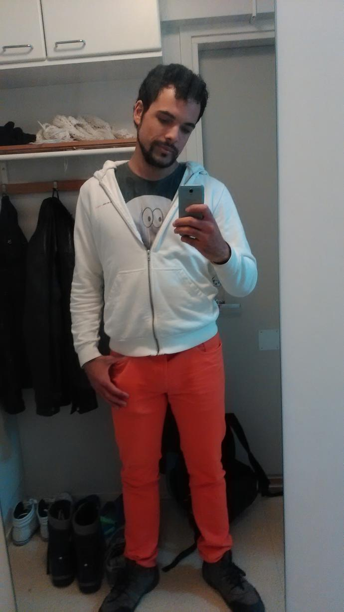 Do you think this orange/white combination fits me? Or is it too bright?