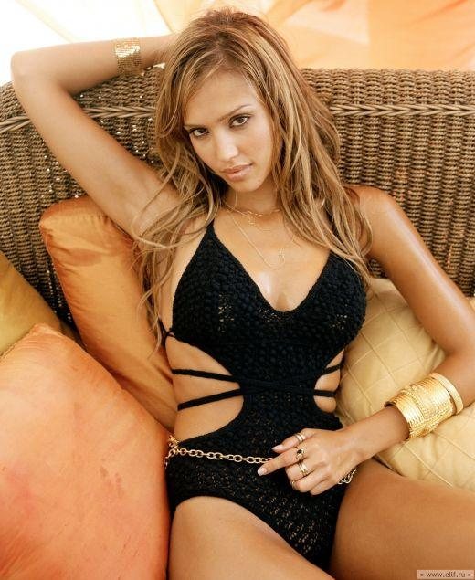 Jessica Alba or Taylor Swift? Who's more beautiful?