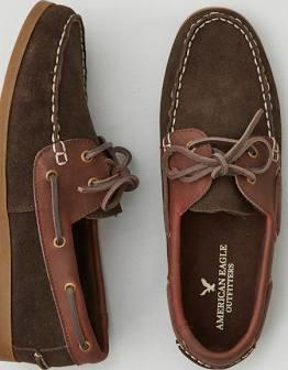 Girls, What do you think of guys who wear boat shoes?