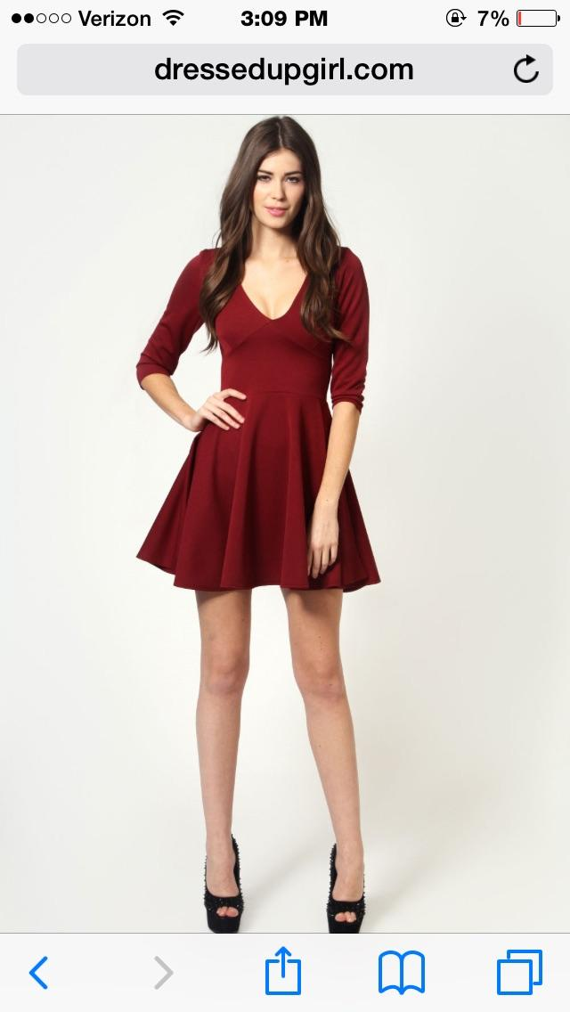 Is it ok to wear dark black pantyhose with a dress like this?