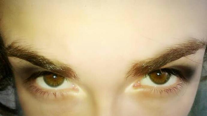 Should I Trim My Eyebrows?