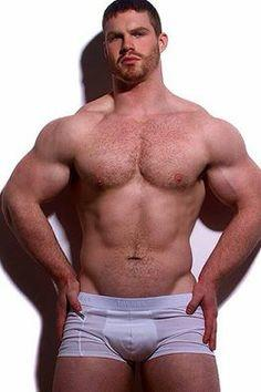 Do girls like beefy muscular guys or low body fat ab guys more?