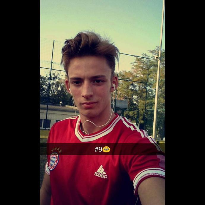 Girls, Handsome Man :) ??