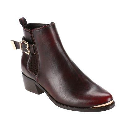 WHAT DO YOU THINK OF THESE BOOTS? PLEASE HELP!?