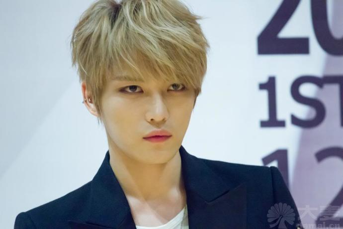 White girls, do you find this Korean guy attractive?