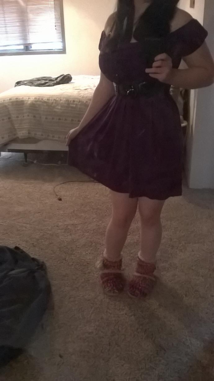 Can women wear dresses casually?