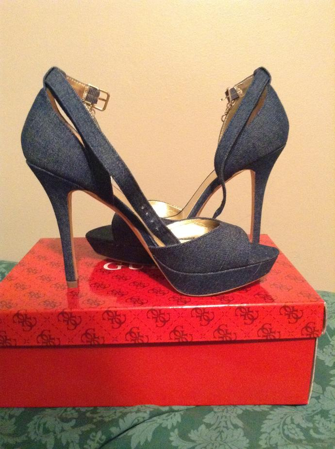 Girls, What to wear with these heels ?