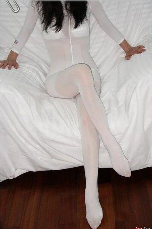 Girls, would you wear a full body pantyhose? Guys, would you find it attractive if your girl would wear them?