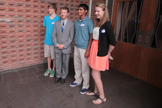 Is Rand Paul really this short or are American kids too damn tall?
