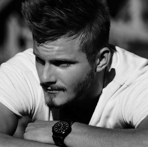 Do you think Alexander Ludwig is hot?