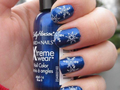 Which design should I get on my nails for the holidays?