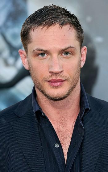 Girls, the struggle is real : Tom Hardy or Nicholas Hoult ?