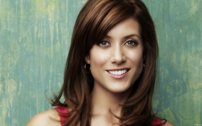 Guys, Guy do you think Kate Walsh is hot?