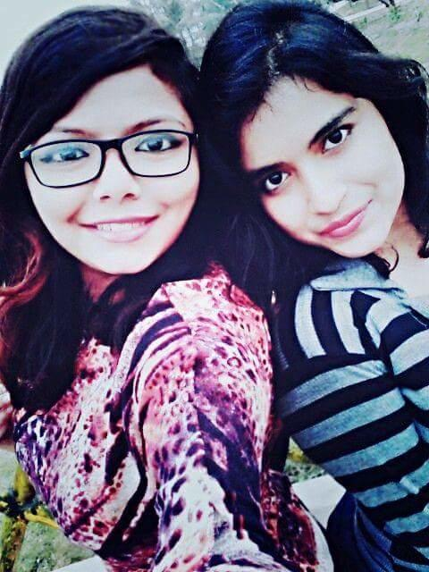 Which one of my 2 friends is more beautiful?