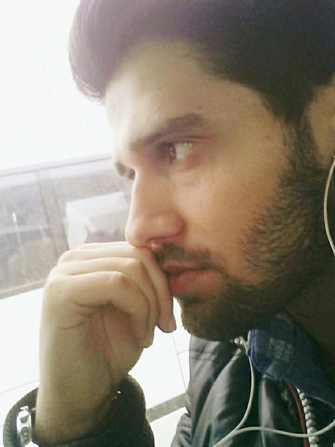 Hi, How Do I look :) :) ?