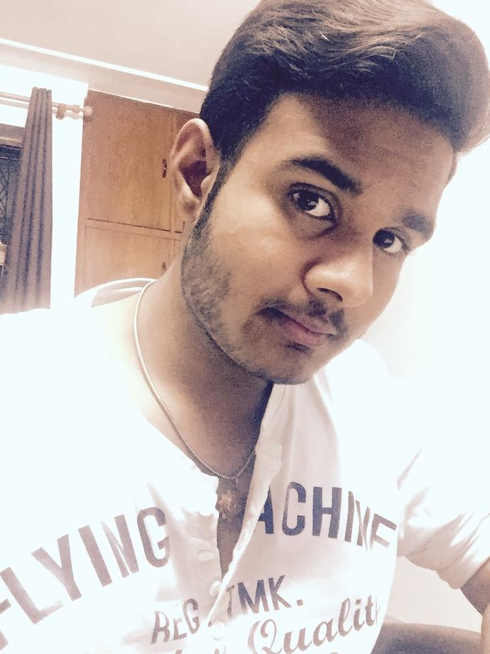 How do I look? Rate this dp outta 10? *I am ok with insults too but they should be justified*?