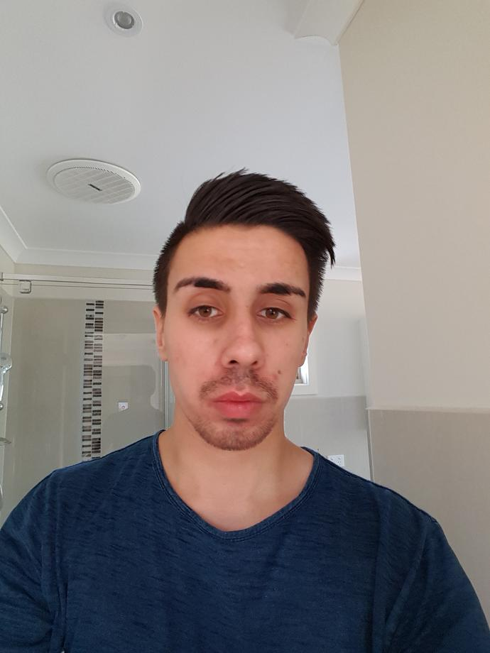 Girls, how do I look in this photo?