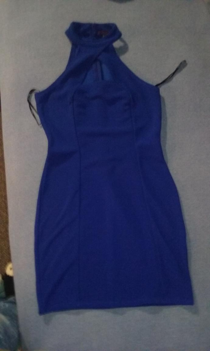 What makeup and hair should I do with this outfit for a Semi-Formal dance?