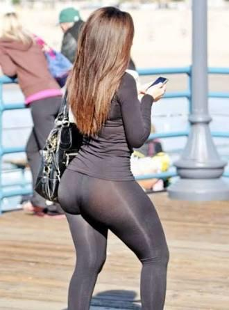 3b5694b4b4ede When girls wear yoga pants, do they do that specifically to want men  checking out