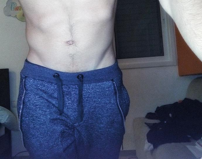 Girls, Is this an okay picture?does the V look alright or???