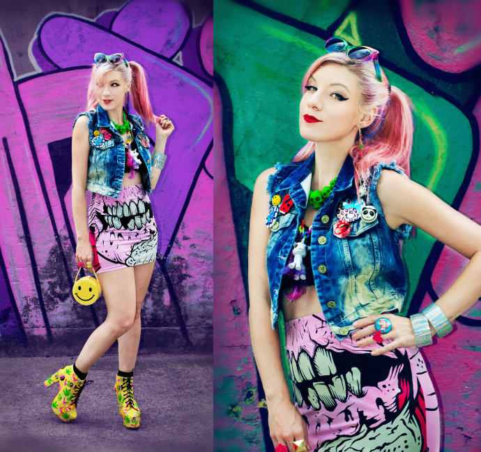 Do you like her dressing style and her looks?