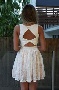 Do you like when girls wear dresses like these ones (pics)?