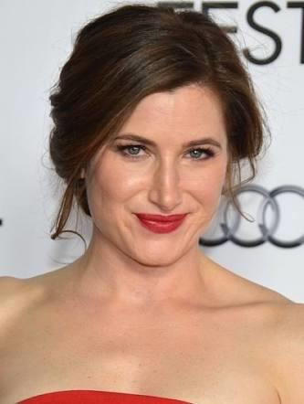 Do you think Kathryn Hahn is attractive?