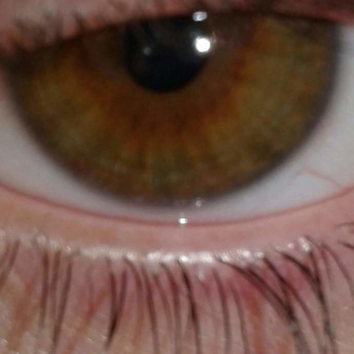What colour have my eyes?