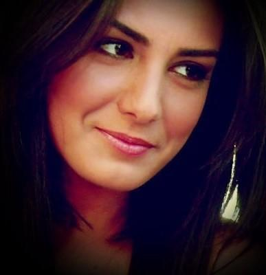 Turkish actress :) What do you think about her? Is she beautiful? How is she?