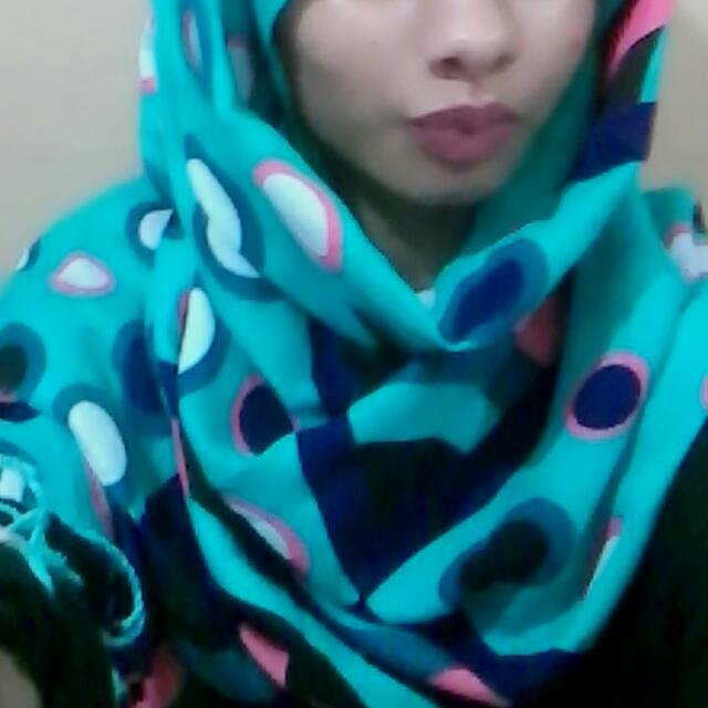 How's my hijabi selfie look?