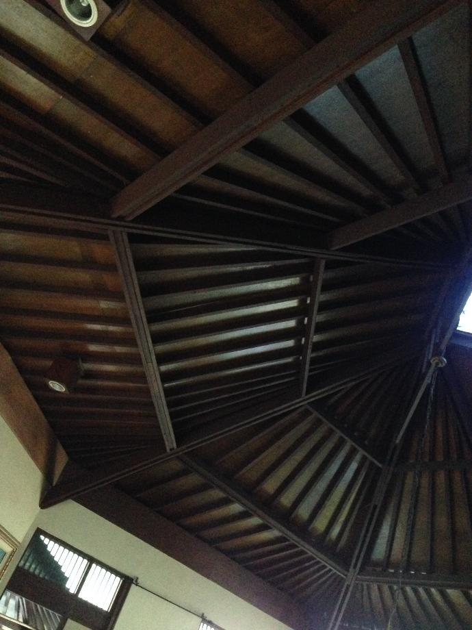 Who else thinks this ceiling is beautiful?