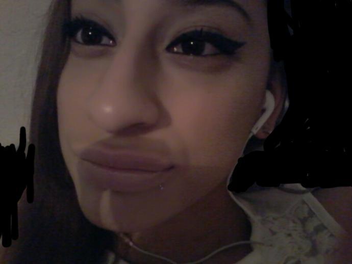 Am i pretty *pic* ?