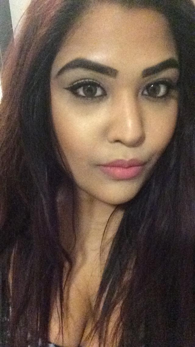 Rate me out of 10? I can't seem to keep down any guy, they never want to commit or want a relationship with me, is there something wrong with me?