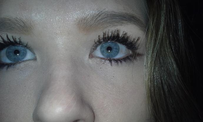 This eye color?