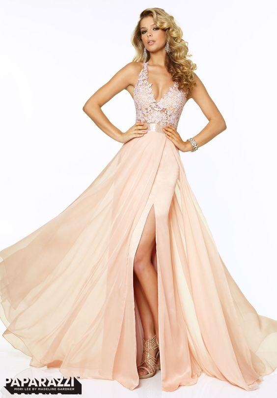 What dress should I choose to wear to PROM?