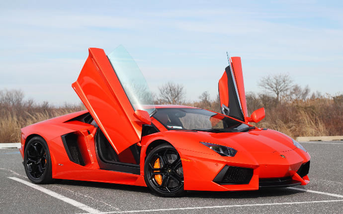 Would you date an ugly girl who drives a lambo and is rich?