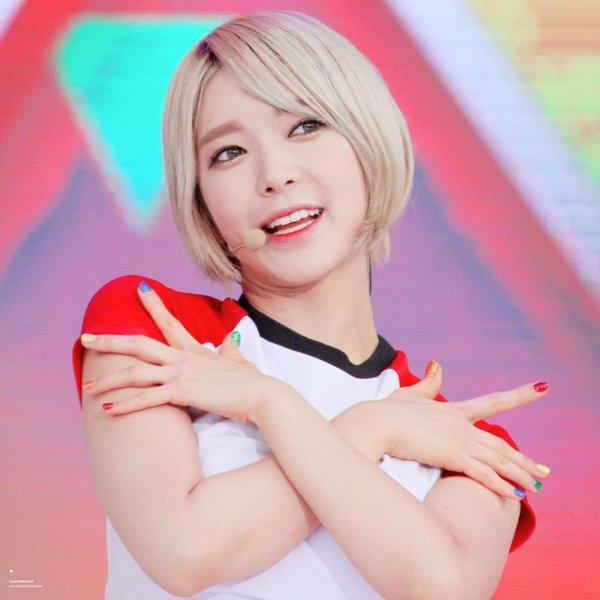 Kpop Girl series #6 Choa: How beautiful do you think this girl is?