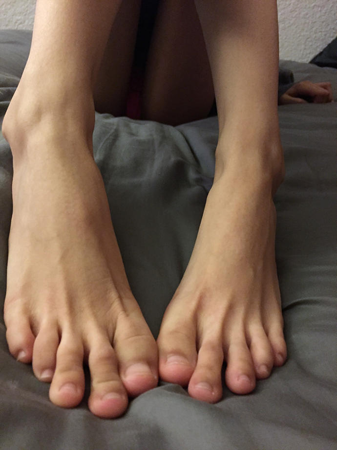 Do my toes look long/crooked?