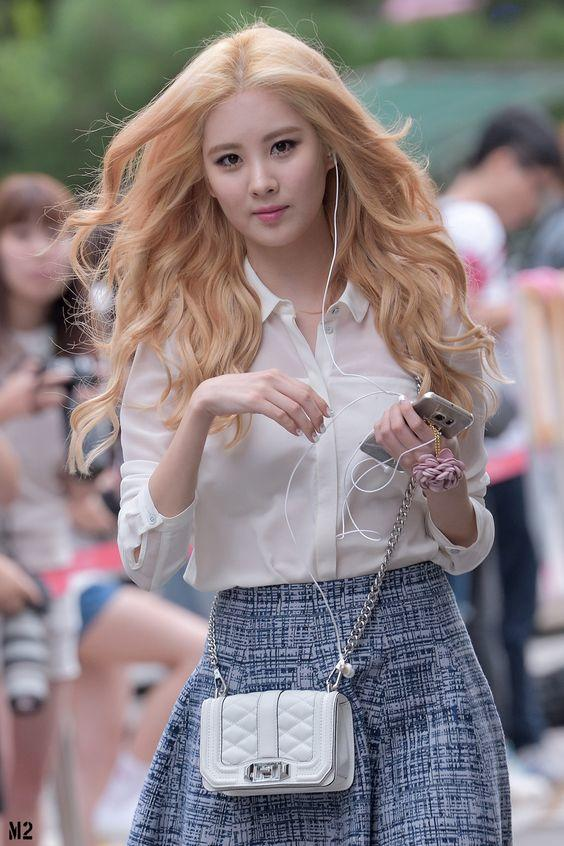 Kpop Girl series #17 Seohyun: How beautiful do you think this girl is ?