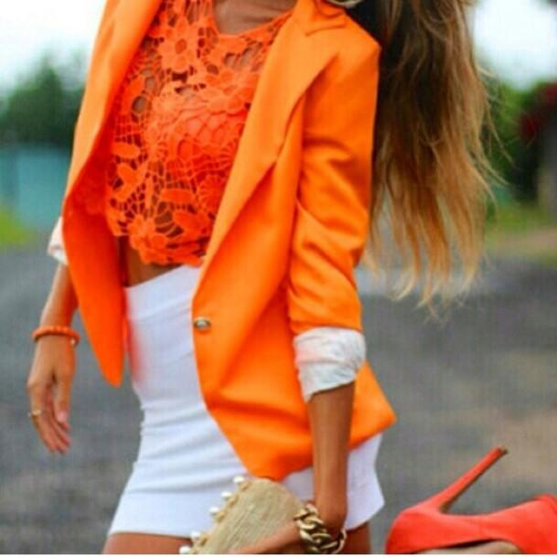 Who here loves the color ORANGE?