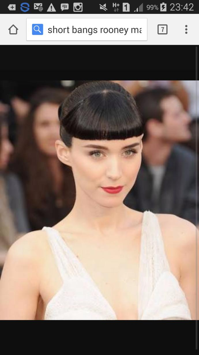 Guys, Guys Only : What do you think that girl with bangs above her eyebrows? Do you like it or prefer no bangs?