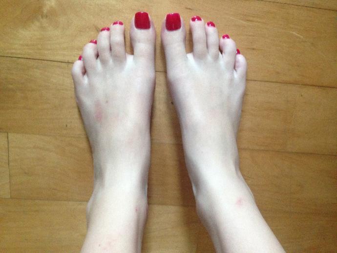 Do I have nice feet?