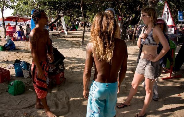 Why do white girls love Bali and Thai men so much :(?